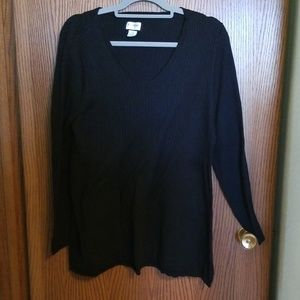 Maternity vneck black sweater